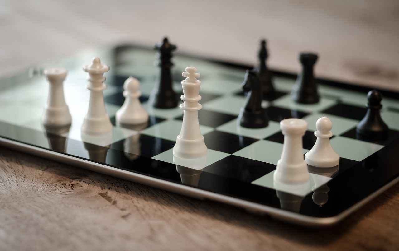 Differences between Chess Sets and Boards